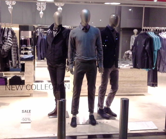 HUGO BOSS - BORNE - TEVIAC ESCAPARATISMO EN BARCELONA VISUAL MERCHANDISING MARKETING COMPRAR RETAIL (2)