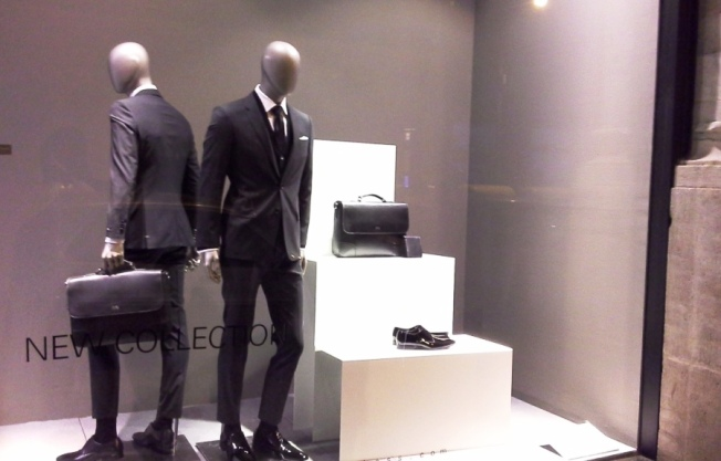 HUGO BOSS - BORNE - TEVIAC ESCAPARATISMO EN BARCELONA VISUAL MERCHANDISING MARKETING COMPRAR RETAIL (6)