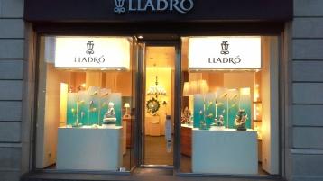 LLADRO PASEO DE GRACIA ESCAPARATE PORCELAIN TEVIAC ESCAPARATISMO EN BARCELONA #lladro #porcelain #teviac (1)
