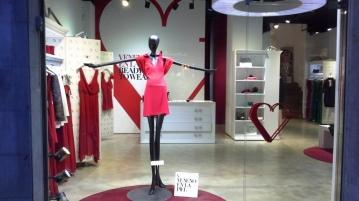 veneno en la piel escaparate barcelona septiembre 2014 teviac escaparatismo en barcelona #moda #mannequin (2)
