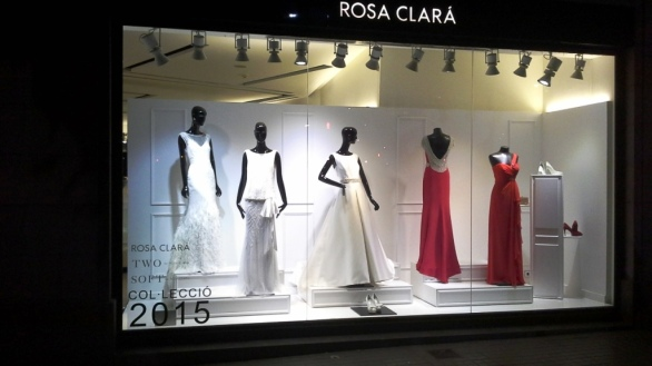ROSA CLARA ESCAPARATE DIAGONAL TEVIAC ESCAPARATISMO EN BARCELONA NOVIAS (1)