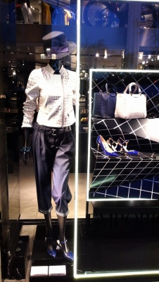 EMPORIO ARMANI ESCAPARATE PASEO DE GRACIA www.teviac.wordpress.com #armani #barcelona #windowdisplay (2)