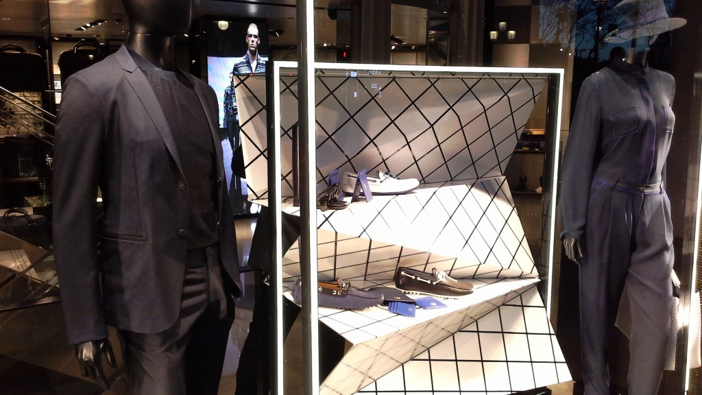EMPORIO ARMANI ESCAPARATE PASEO DE GRACIA www.teviac.wordpress.com #armani #barcelona #windowdisplay  (5)
