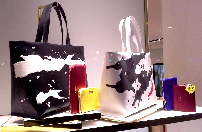 FURLA ESCAPARATE PASEO DE GRACIA BARCELONA TEVIAC ESCAPARATISMO EN BARCELONA #furla #windowdesign #handbag #luxe (3)