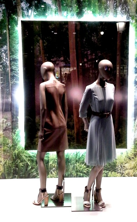 HUGO BOSS PASEO DE GRACIA ESCAPARATE BARCELONA TEVIAC #hugoboss #windowdesign #escaparate #blogger (1)