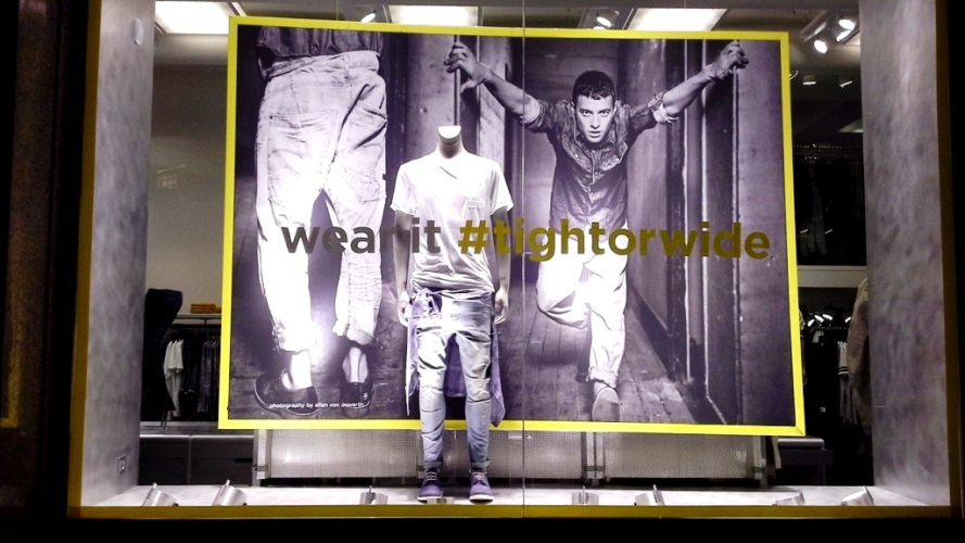 G-STAR RAW ESCAPARATE PASEO DE GRACIA BARCELONA TEVIAC ESCAPARATISMO #gstar #windowdisplay #tightorwide (2)