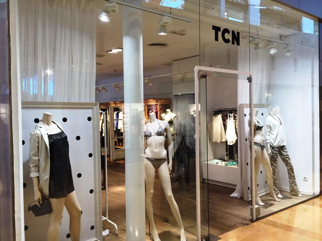 TCN ESCAPARATE ILLA DIAGONAL #tcn #tendencia #spring #summer #illadiagonal #teviac #barcelona www.teviacescaparatismo.com  (1)