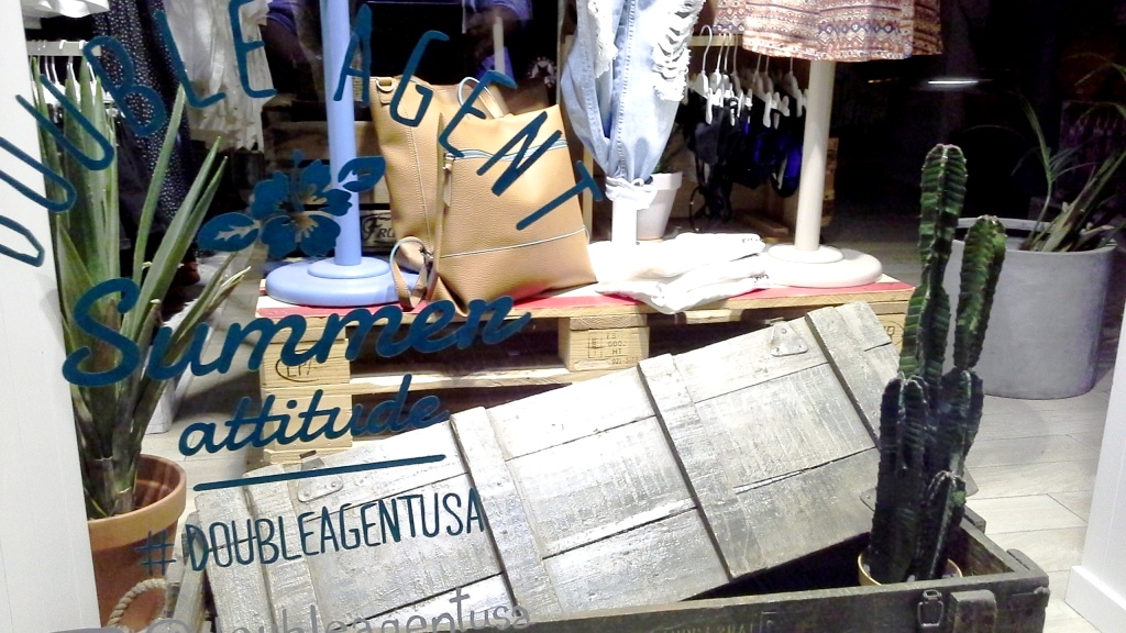 DOUBLE AGENT USA ESCAPARATE BARCELONA MAYO 2015 (2)