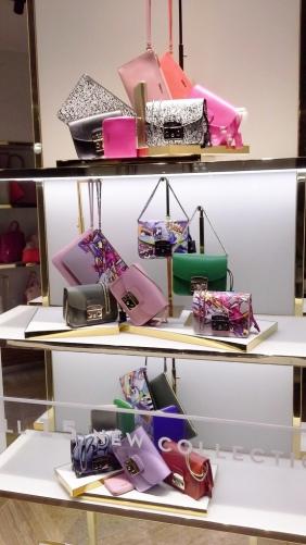 FURLA ESCAPARATE BARCELONA PASEO DE GRACIA #furla #accessories #luxe #barcelona #teviac #aparador (1)