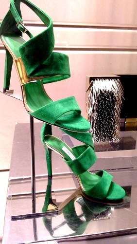 JIMMY CHOO ESCAPARATE BARCELONA LUXE www.teviacescaparatismo.com (3)