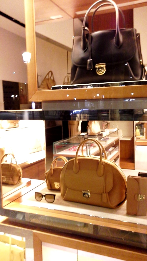SALVATORE FERRAGAMO ESCAPARATE PASEO DE GRACIA BARCELONA #marketing #retail #ecommerce (3)