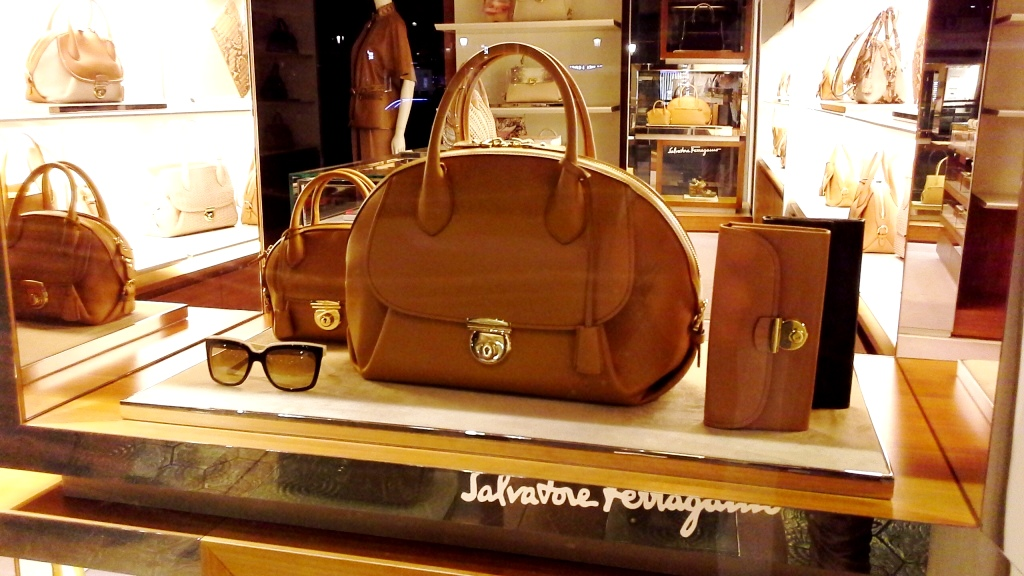 SALVATORE FERRAGAMO ESCAPARATE PASEO DE GRACIA BARCELONA #marketing #retail #ecommerce (4)