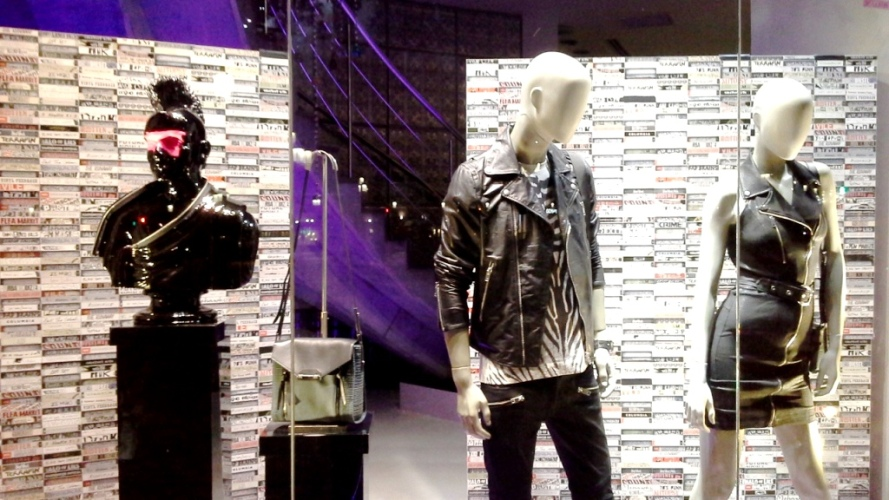 DIESEL ESCAPARATE SUMMER PASEO DE GRACIA ESCAPARATISTA TEVIAC MARKETING ON LINE LOVING SOCIAL MEDIA RETAIL (7)