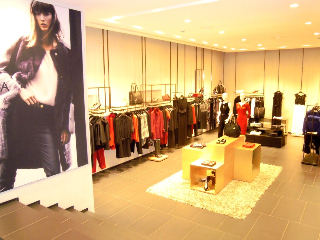 TEVIAC PORTFOLIO VISUAL MERCHANDISING MARKETING OFF LINE (15)