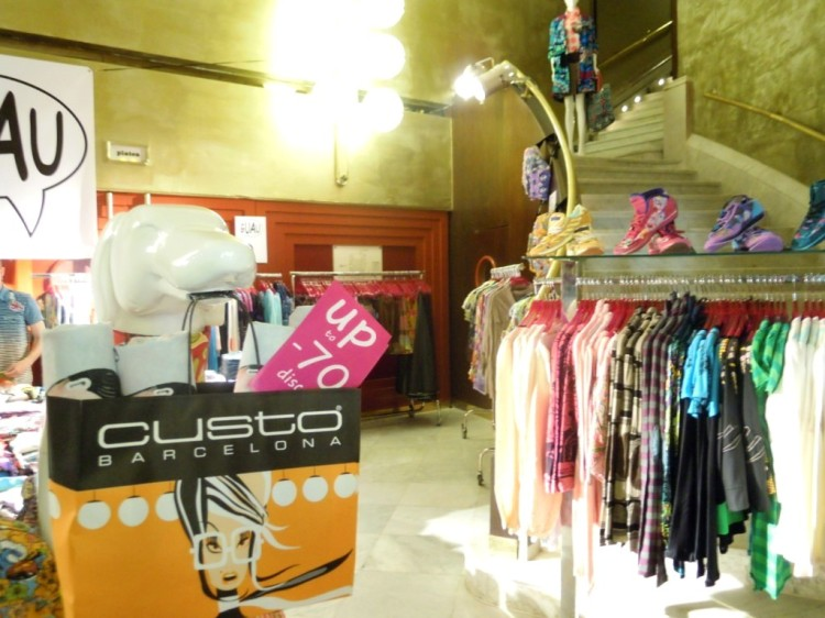 TEVIAC PORTFOLIO VISUAL MERCHANDISING MARKETING OFF LINE (3)
