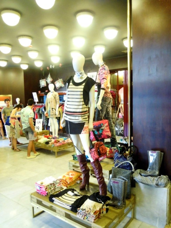 TEVIAC PORTFOLIO VISUAL MERCHANDISING MARKETING OFF LINE (4)
