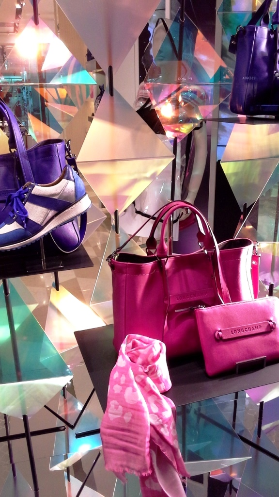LONGCHAMP ESCAPARATE BARCELONA SS16 TENDENCIA PASEO DE GRACIA (7)