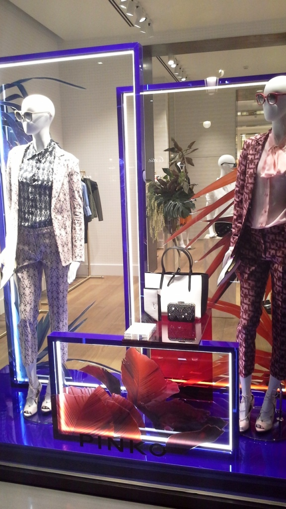 PINKO ESCAPARATE PASEO DE GRACIA #teviac #escaparatelover (10)