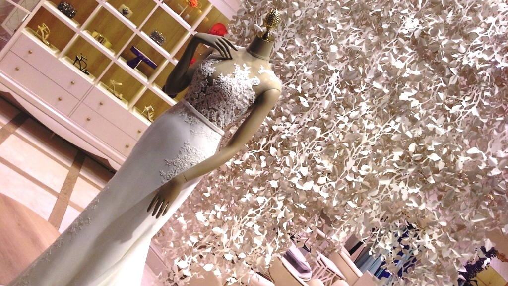 PRONOVIAS ESCAPARATE BARCELONA #pronoviasescaparate #pronovias2016 #teviac #window #vetrina (13)