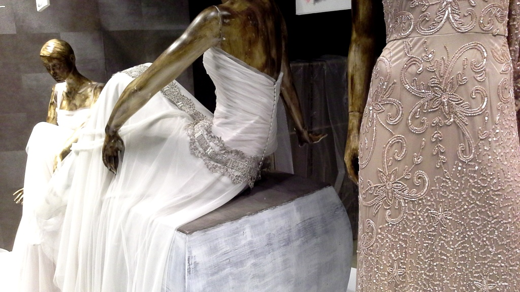 RAIMON BUNDÓ NOVIAS ESCAPARATE DIAGONAL #escaparatelover #aparadorlover #window #wedding  (5)