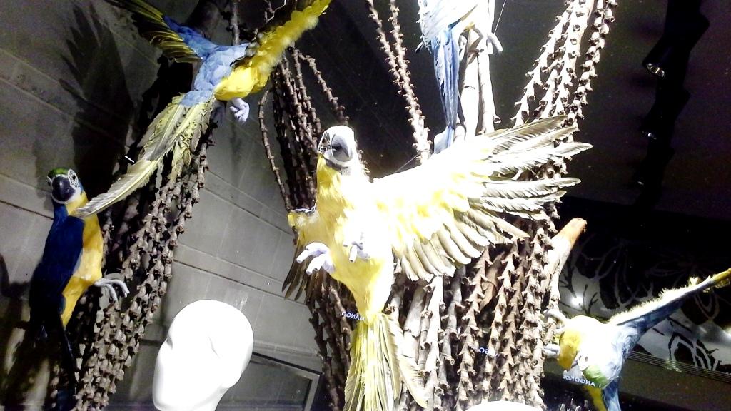 JEAN PIERRE BUA ESCAPARATE BARCELONA #escaparatebarcelona #escaparatismobarcelona #aparadorbarcelona #loveartidi (9)
