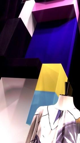 LOUIS VUITTON ESCAPARATE BARCELONA SPRING #louisvuittonescaparate #escaparate #escaparatismo (9)