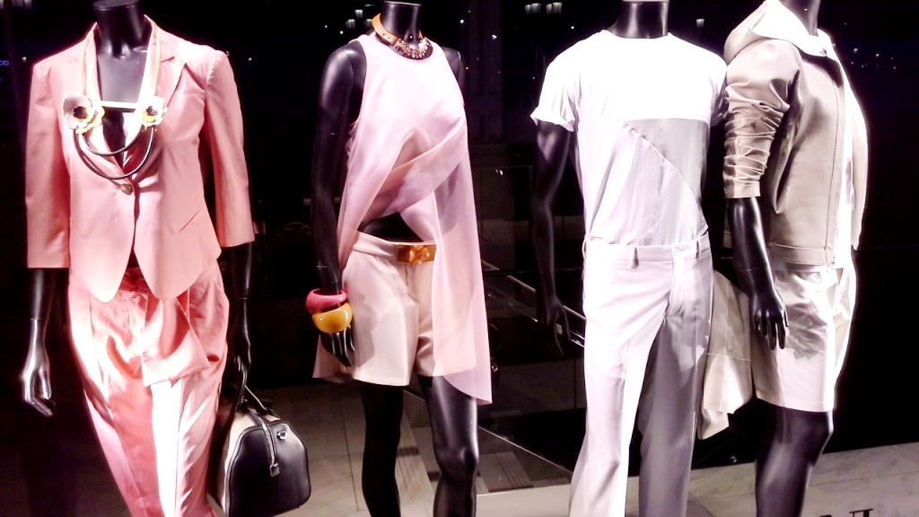 EMPORIO ARMANI ESCAPARATE BARCELONA ESCAPARATISMO #window #emporioarmanifashion #teviac #escaparatelover #trend (1)
