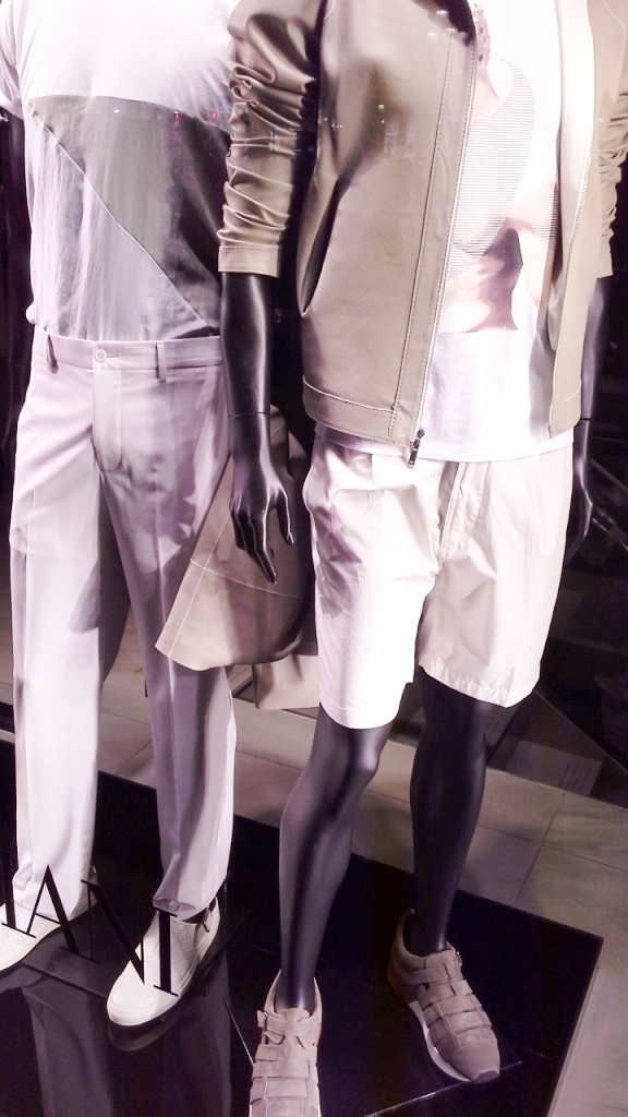 EMPORIO ARMANI ESCAPARATE BARCELONA ESCAPARATISMO #window #emporioarmanifashion #teviac #escaparatelover #trend (4)