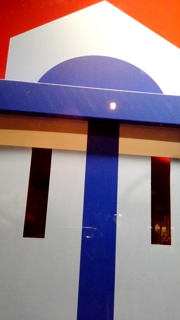 DIESEL ESCAPARATE BARCELONA PASEO DE GRACIA www.teviacescaparatismo.com #vetrina #store #window #top #modelo (5)
