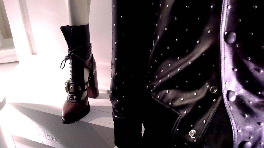 burberry-escaparate-barcelona-moda-fashion-trend-escaparatelover-teviacescaparatismo-burberryvetrina-burberrywindow-12
