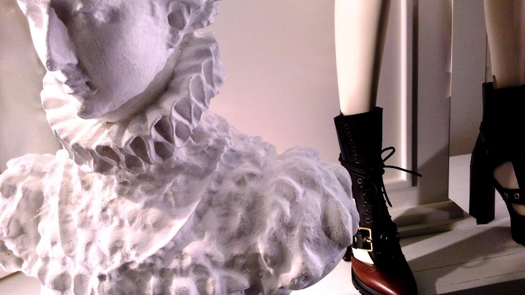 burberry-escaparate-barcelona-moda-fashion-trend-escaparatelover-teviacescaparatismo-burberryvetrina-burberrywindow-13