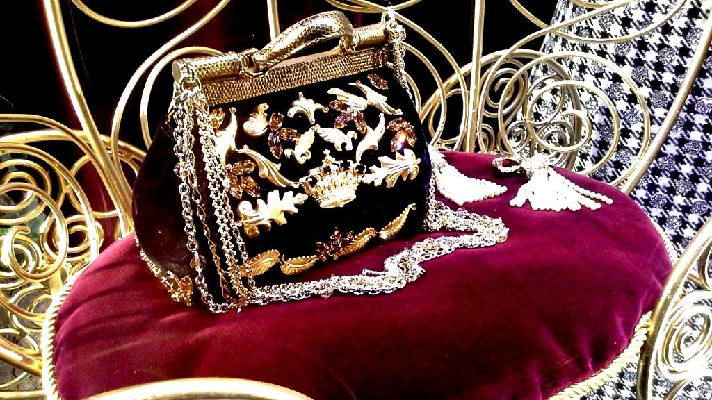 escaparatismo-teviac-barcelona-dolce-gabbana-aparador-vetrina-fashion-window-escaparateonline-www-teviacbarcelona-com-9