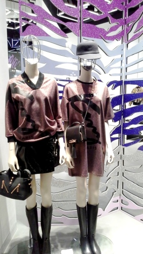 kenzo-escaparate-paseo-de-gracia-barcelona-escaparatekenzo-windowkenzo-windowdresserkenzo-aparadorkenzo-escaparatelover-2
