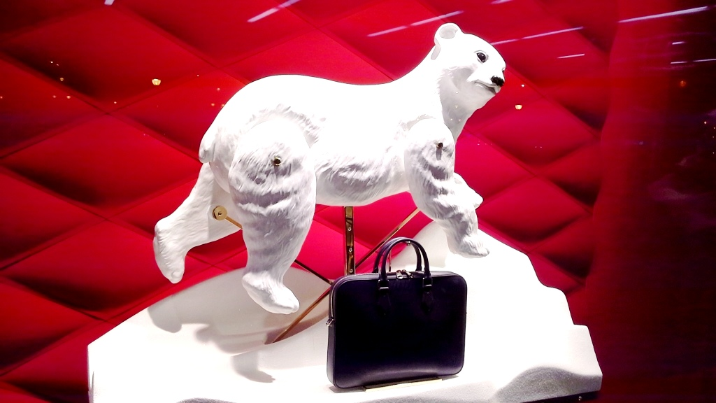 louis-vuitton-escaparate-el-corte-ingles-diagonal-barcelona-shop-luxe-escaparatelover-aparadorlover-windowlover-4