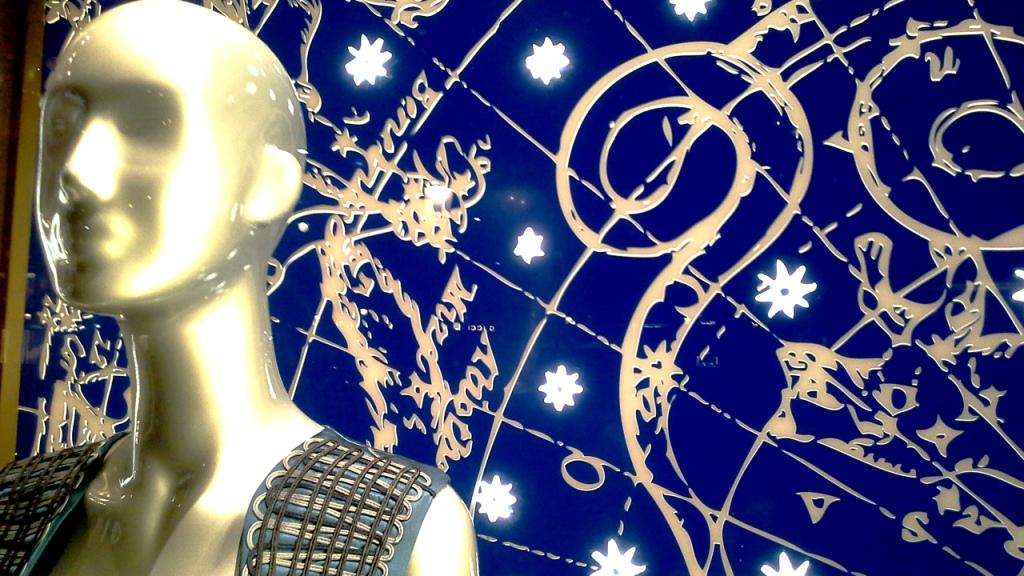 la-perla-escaparate-paseo-de-gracia-barcelona-escaparatismo-escaparate-aparador-windowdresser-vetrina-escaparatelover-shopping-12