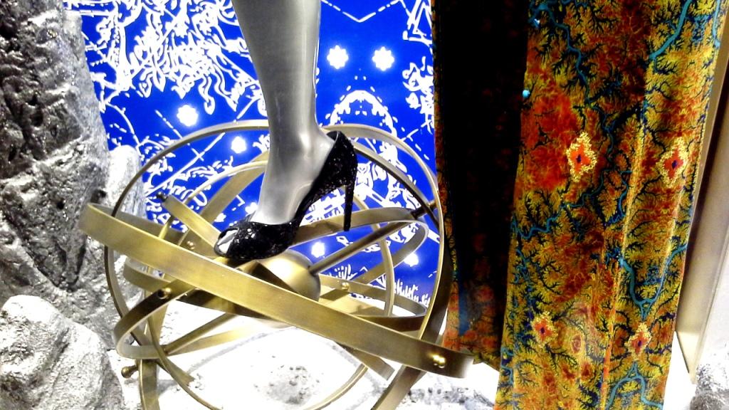 la-perla-escaparate-paseo-de-gracia-barcelona-escaparatismo-escaparate-aparador-windowdresser-vetrina-escaparatelover-shopping-14
