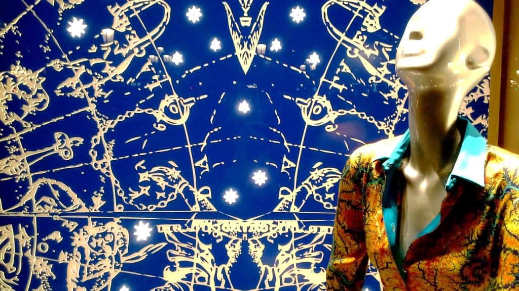la-perla-escaparate-paseo-de-gracia-barcelona-escaparatismo-escaparate-aparador-windowdresser-vetrina-escaparatelover-shopping-20