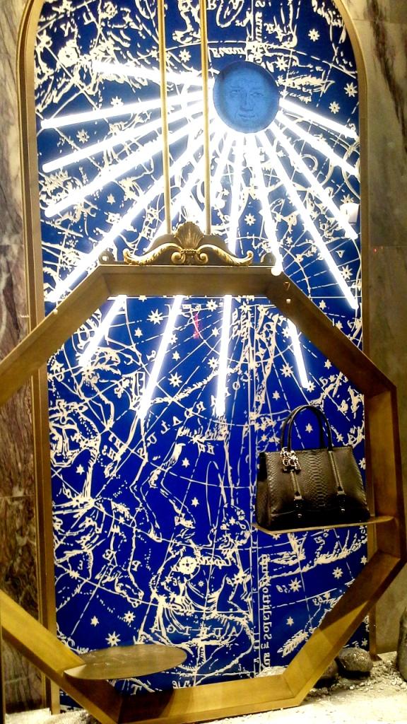 la-perla-escaparate-paseo-de-gracia-barcelona-escaparatismo-escaparate-aparador-windowdresser-vetrina-escaparatelover-shopping-3