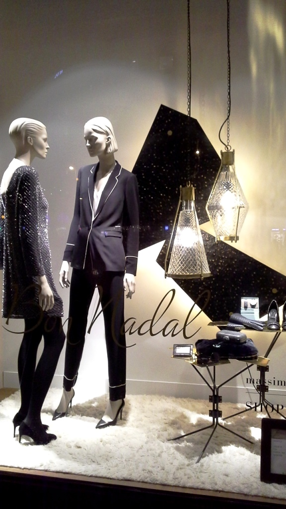 massimo-dutti-escaparate-barcelona-window-vetrina-aparador-escaparatismo-aparadorisme-visual-merchandiser-teviac-shoponli-8