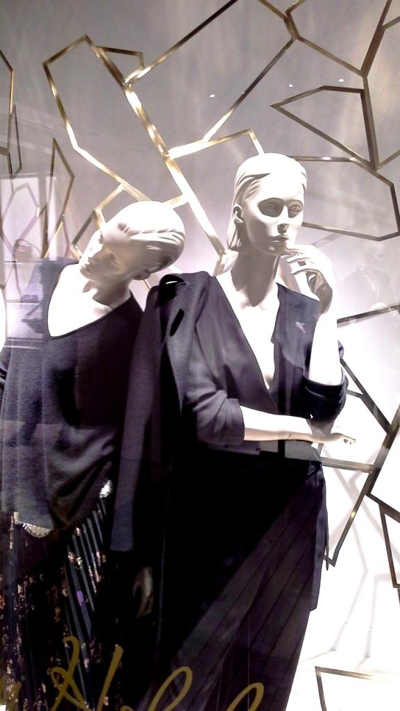 massimo-dutti-escaparate-barcelona-window-vetrina-aparador-escaparatismo-aparadorisme-visual-merchandiser-teviac-shoponline-1