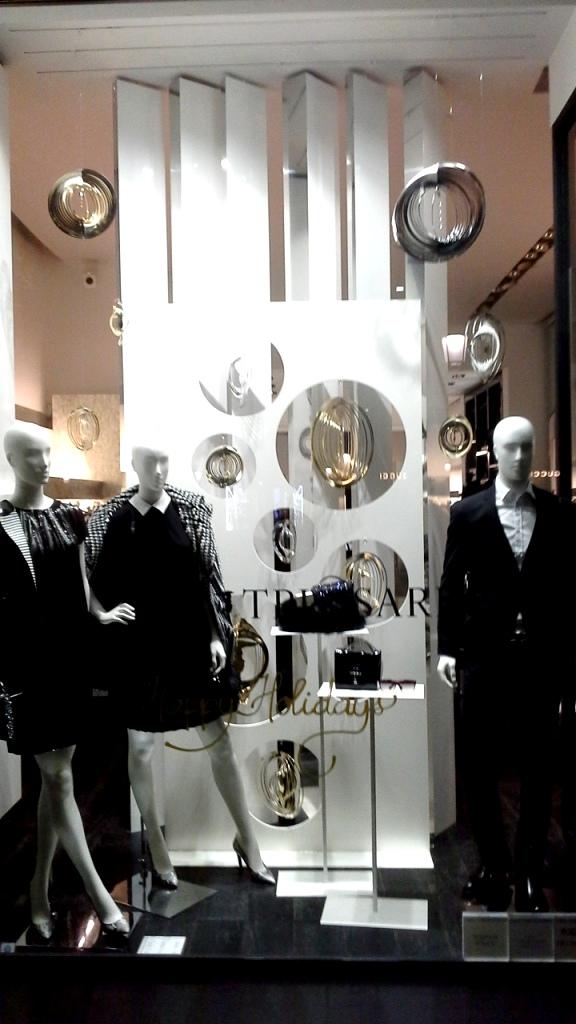 tru-trussardi-escaparate-paseo-de-gracia-barcelona-escaparate-escaparatismo-windowdresser-windowdisplay-shooping-instafashion