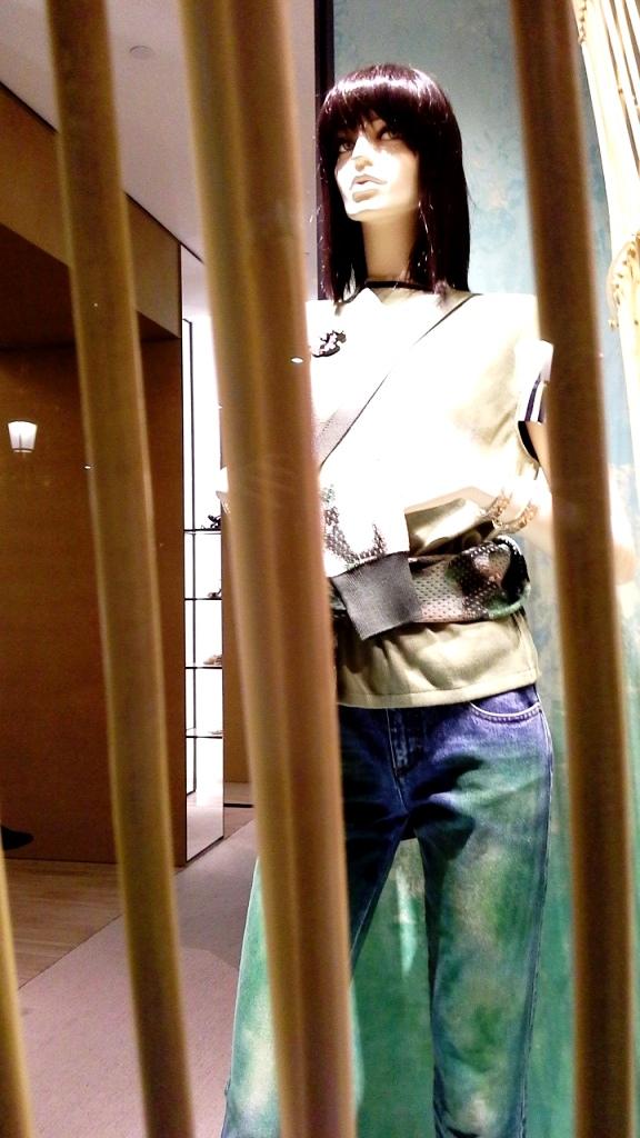 chanel-escaparate-paseo-de-gracia-barcelona-escaparatelover-windowdisplay-windowdresser-trend-chanelescaparate-tendencia-1
