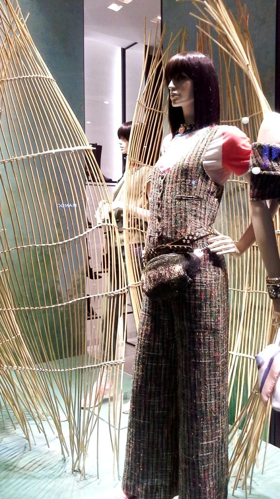 chanel-escaparate-paseo-de-gracia-barcelona-escaparatelover-windowdisplay-windowdresser-trend-chanelescaparate-tendencia-4