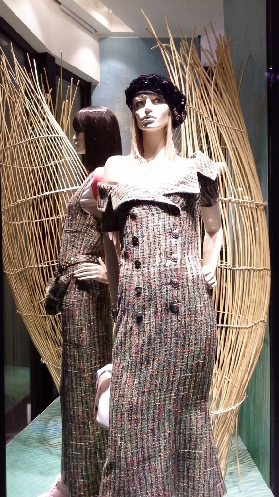 chanel-escaparate-paseo-de-gracia-barcelona-escaparatelover-windowdisplay-windowdresser-trend-chanelescaparate-tendencia-5