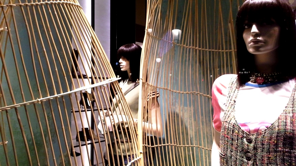 chanel-escaparate-paseo-de-gracia-barcelona-escaparatelover-windowdisplay-windowdresser-trend-chanelescaparate-tendencia-7