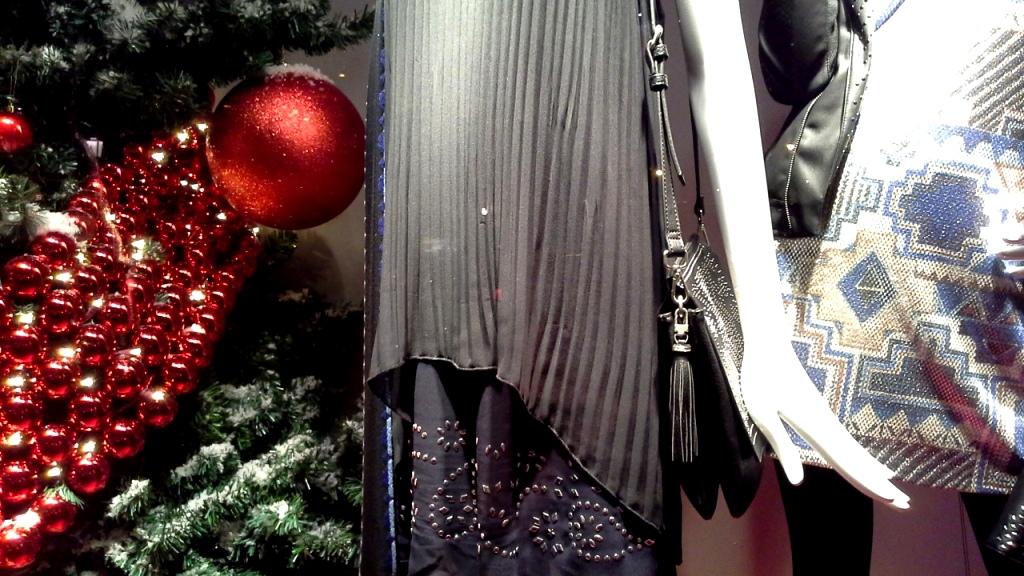 desigual-plaza-cataluna-escaparate-christmas-desigual-lavidaeschula-window-aparador-vetrina-3