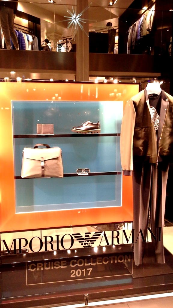 emporio-armani-escaparate-paseo-de-gracia-barcelona-enero-2017-escaparate-escaparatismo-window-vetrina-display-shopping-1