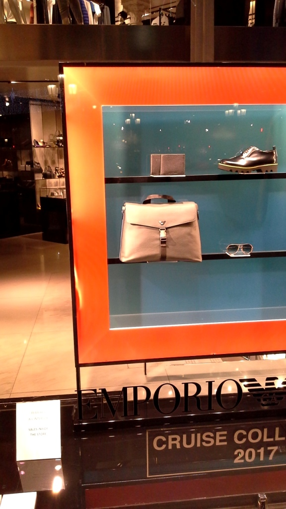 emporio-armani-escaparate-paseo-de-gracia-barcelona-enero-2017-escaparate-escaparatismo-window-vetrina-display-shopping-2