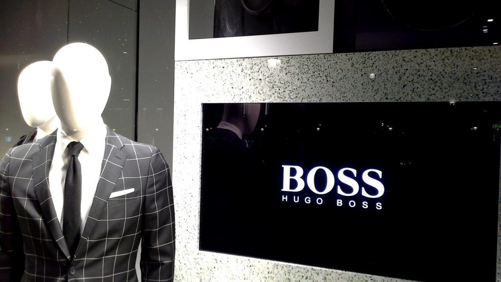 hugo-boss-escaparate-barcelona-vetrina-escaparatismo-window-ecommerce-4