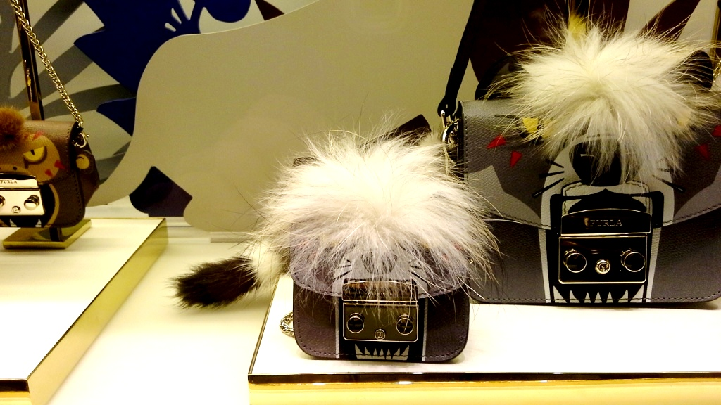 furla-escaparate-barcelona-luxe-escaparatelover-escaparatismobarcelona-bcninspira-shooping-ecommerce-furla-6